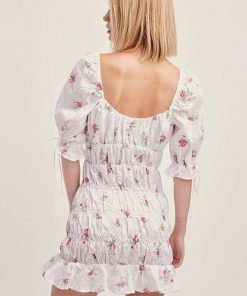 Weißes Kleid im Bohemian Chic